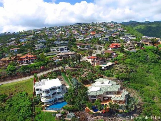 thumb1_hawaii-loa-ridge-luxury-homes-drone-photo